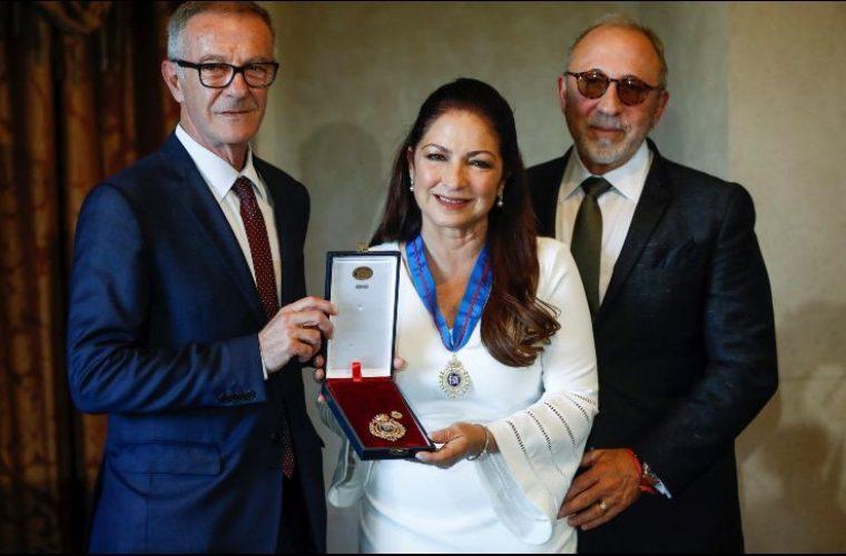 Gloria Estefan recibe Medalla de Oro al Mérito de las Bellas Artes