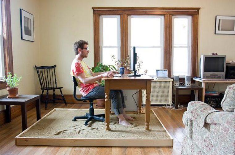 Trabajar en casa puede causar soledad, aislamiento y depresión