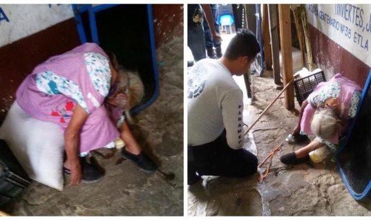 Abuelita de 85 años fallece en su lugar de trabajo