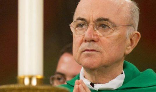 Ex embajador del vaticano pide renuncia del Papa Francisco