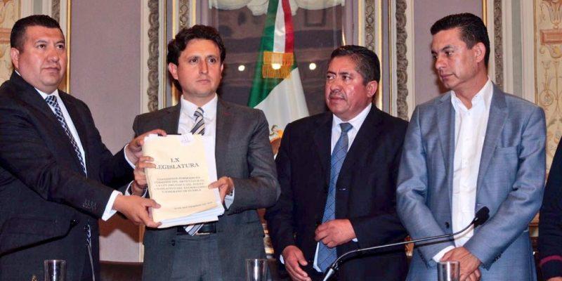 Morena toma Congreso local y destierra morenovallismo