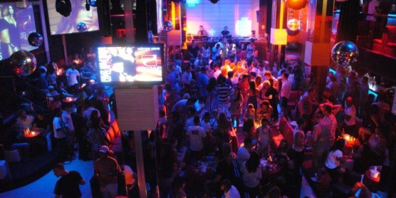 Centros comerciales, bares y salones de fiesta deberán reducir el ruido por las noches