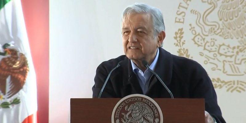 Anuncia López Obrador programas sociales en Puebla