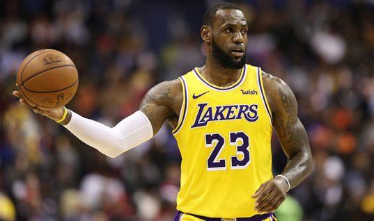 LeBron James se queja del arbitraje en Twitter