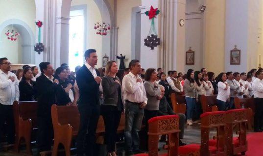 Elba Esther organiza misa en memoria de Moreno Valle y Martha Erika