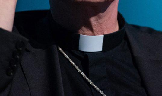 Investigan a 100 sacerdotes en Alemania por presuntos abusos