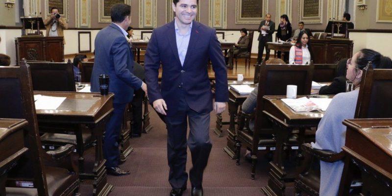 Renuncia García Almaguer a PAN; seguirá siendo diputado