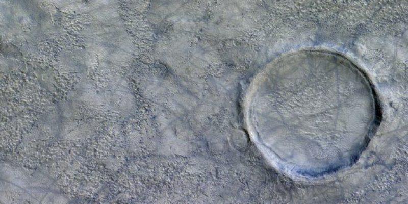 """Muestran imágenes de """"diablos de polvo"""" en superficie de Marte"""