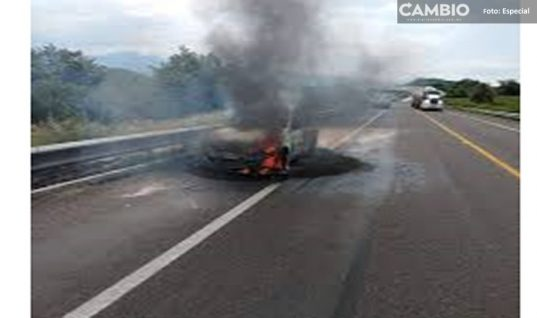 Balean y prenden fuego a taxista en Atlixco