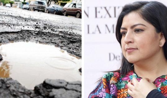 Claudia Rivera propone que la ciudadanía sea quien tape los baches en la ciudad de Puebla