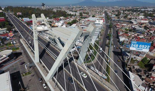 Barbosa retirará tirantes de puentes morenovallistas