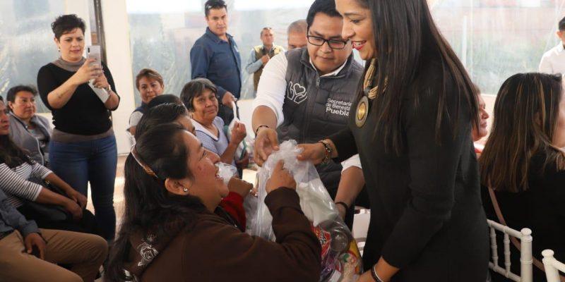 Apoyos alimentarios a adultos mayores de la capital poblana