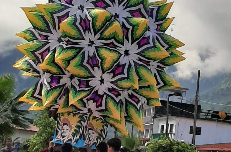 Asombroso, concurso de globos gigantes hechos de papel de china [VIDEO]