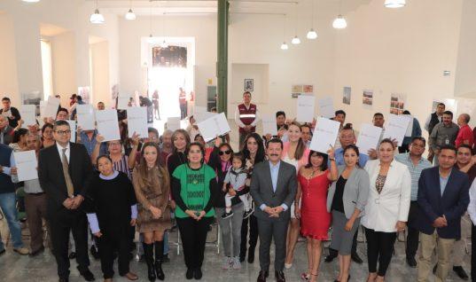 Subsidio del gobierno municipal facilita dar certeza jurídica a más familias: Arriaga