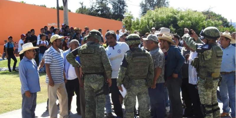 Acuerdan CFE y Tecomatlán el pago de adeudo; Antorcha Campesina no pagaba la luz