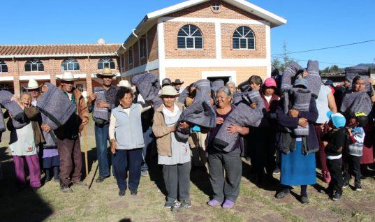 Concluye primera etapa de donación de ropa en Chignahuapan